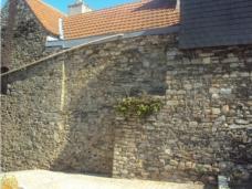 Le maçon de la rénovation de vos murs de pierres